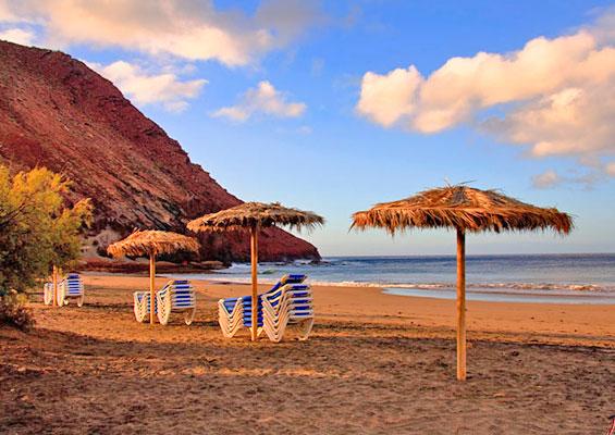 У пляжа Ла Техита