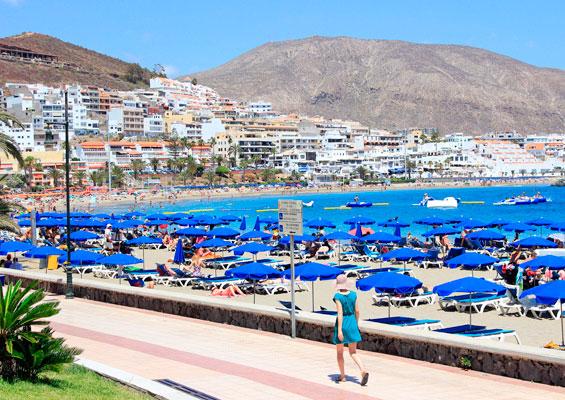 Вид на пляж Лос Кристианос