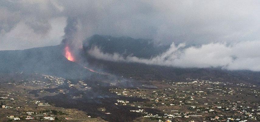 Из-за извержения вулкана на Ла-Пальма разрушено 374 дома и пострадало 16 100 человек