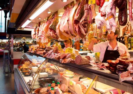 Мясные деликатесы на рынке Mercado Central de Atarazanas